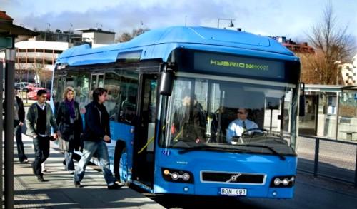 Volvo prueba en Suecia su autobús híbrido que fabricará en serie en 2010