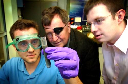 El profesor Jerry Woodall y su solución al almacenamiento y transporte de hidrógeno