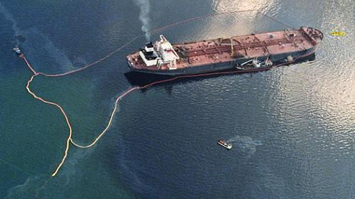 Exxon Valdez, derrame de petróleo en el arrecife Bligh en Alaska