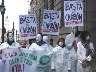 Activistas piden el fin de las inversiones en combustibles fósiles