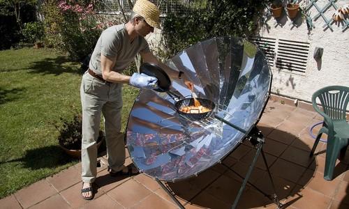 Cocina solar de concentración para cocinar con el sol