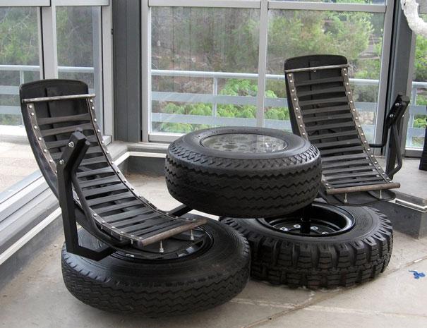 Sala de entretenimiento con neumáticos viejos