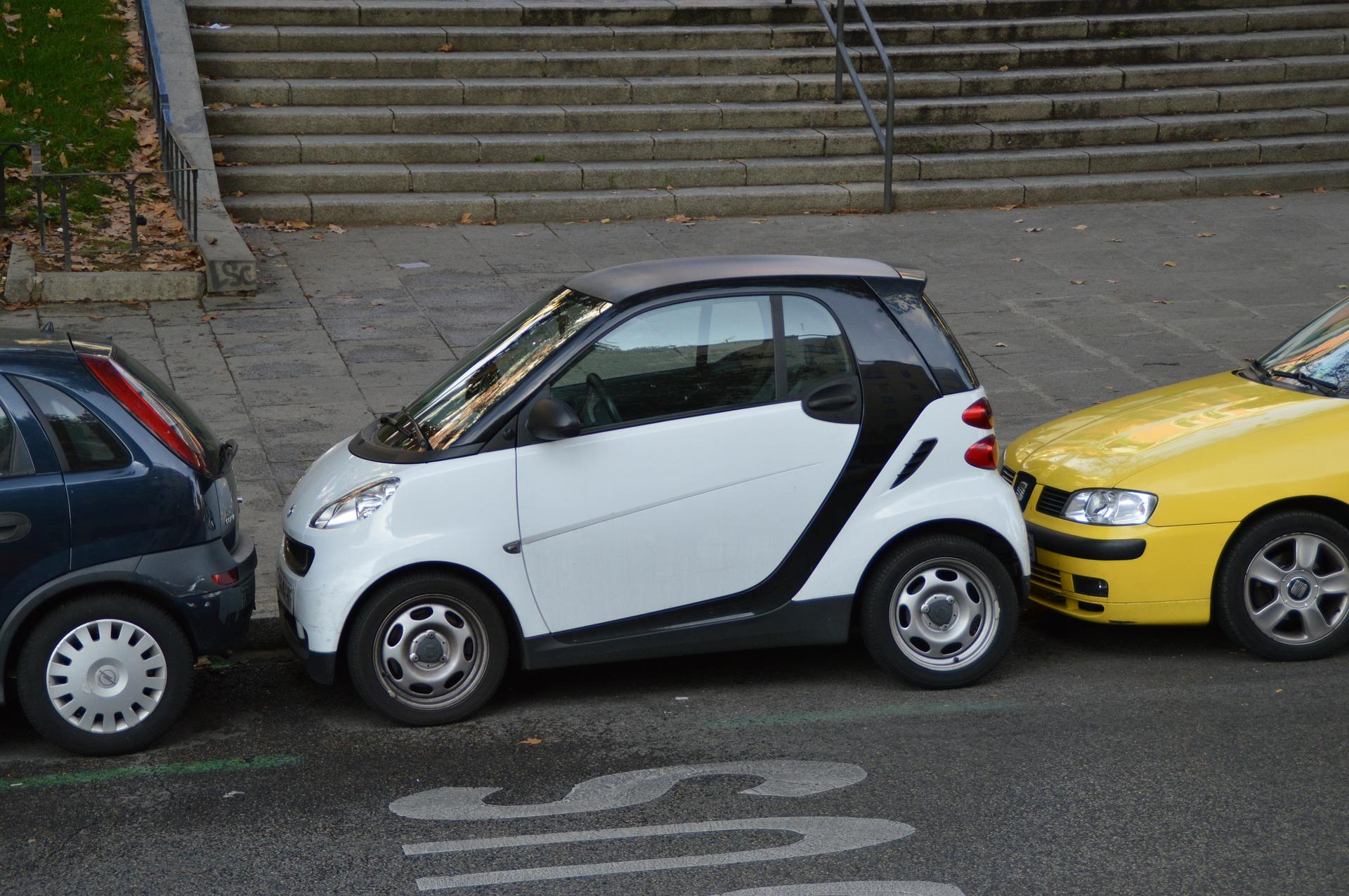 Los automóviles autónomos buscan su lugar en las carreteras del mundo