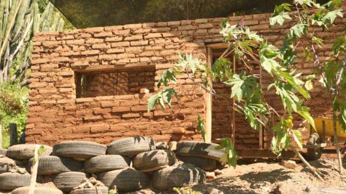 Casas de material reciclado - Materiales de construccion baratos ...