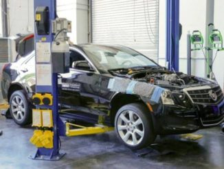 Los investigadores del Laboratorio Nacional de Oak Ridge llevaron a cabo experimentos de combustible de alto octanaje para un mejor rendimiento con base en este motor de Cadillac turboalimentado modificado