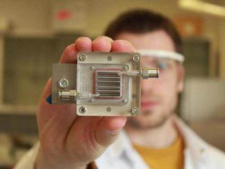 Dispositivo para purificar aire y generar energía al mismo tiempo