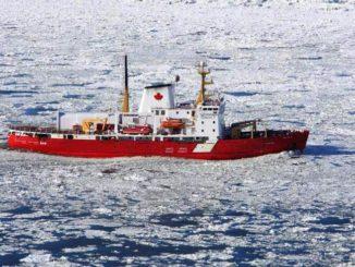 El rompehielos canadiense de investigación, el NGCC Amundsen, canceló la primera etapa de su expedición de 2017, debido a las complicaciones causadas por el cambio climático