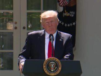 Donald Trump en el Rose Garden en la Casa Blanca para anunciar su decisión de retirarse del Acuerdo Climático de París el 1 de junio de 2017.