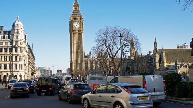 Reino Unido sin automóviles diesel y a nafta para 2040
