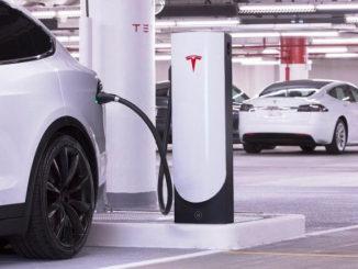 Nuevas estaciones Supercharger de Tesla más pequeñas para la ciudad