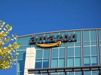 Amazon invierte en energía solar y programas de reciclaje para reducir su huella de carbono