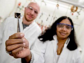 Películas de plata ultrafinas transparentes para celdas solares