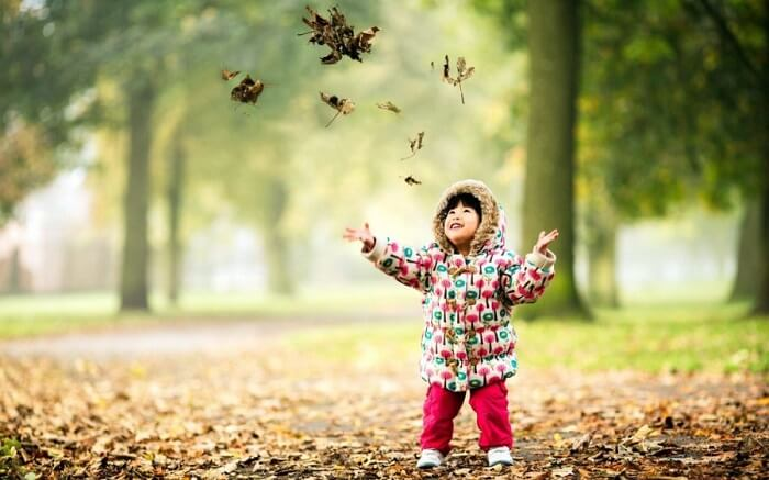 La conexión con la naturaleza calma a los niños