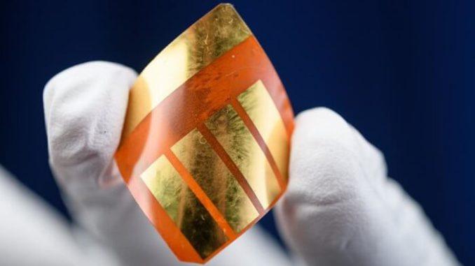 Perovskitas. Un investigador de Georgia Tech posee una célula solar basada en perovskita, que es flexible y más liviana que las versiones basadas en silicona