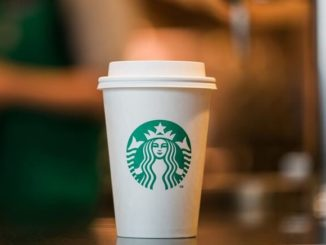 Stabucks prueba una taza reciclable y compostable