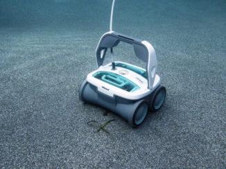 Limpiafondos de piscina, robots al servicio del ambiente