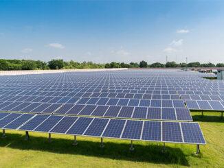 Bajos costos históricos para la energía solar